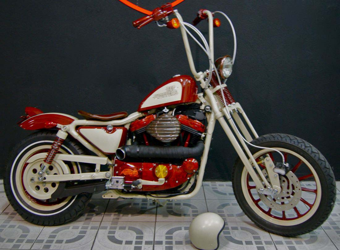 Red Choppers harley davidson (3)