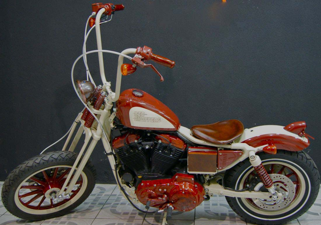 Red Choppers harley davidson (7)